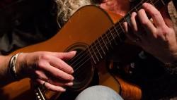 peter-van-elswijk-gitaar-8576