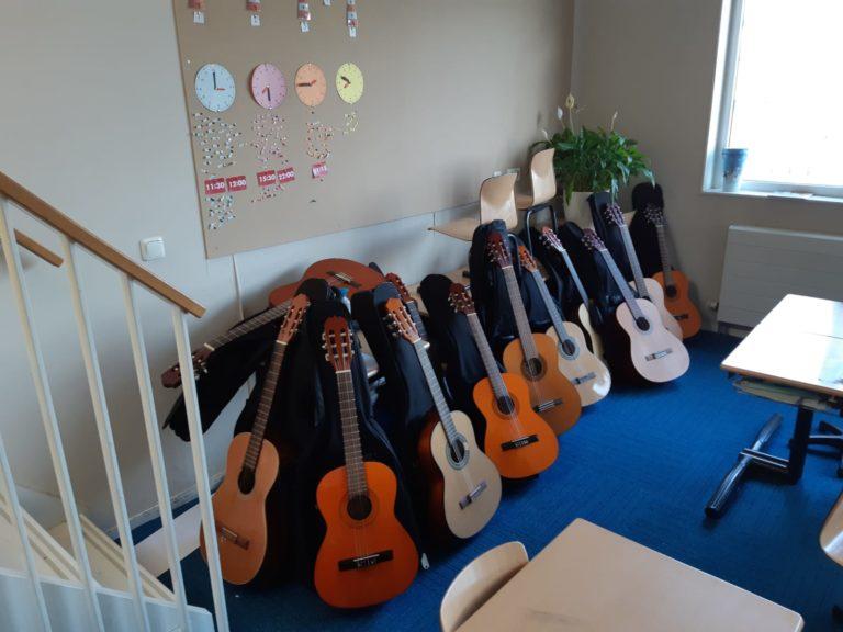 Gitaarclinic-basisschool-Peter-van-Elswijk